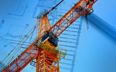 Bauarbeiten auf Nachbargrundstück: Kann ein Grundstückseigentümer das Aufstellen eines Baukrans verhindern?